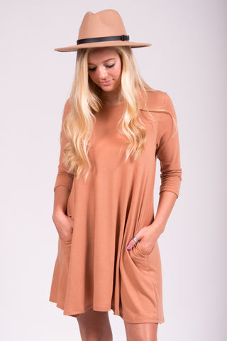 Soho Square Dress 3/4 Sleeves in Camel