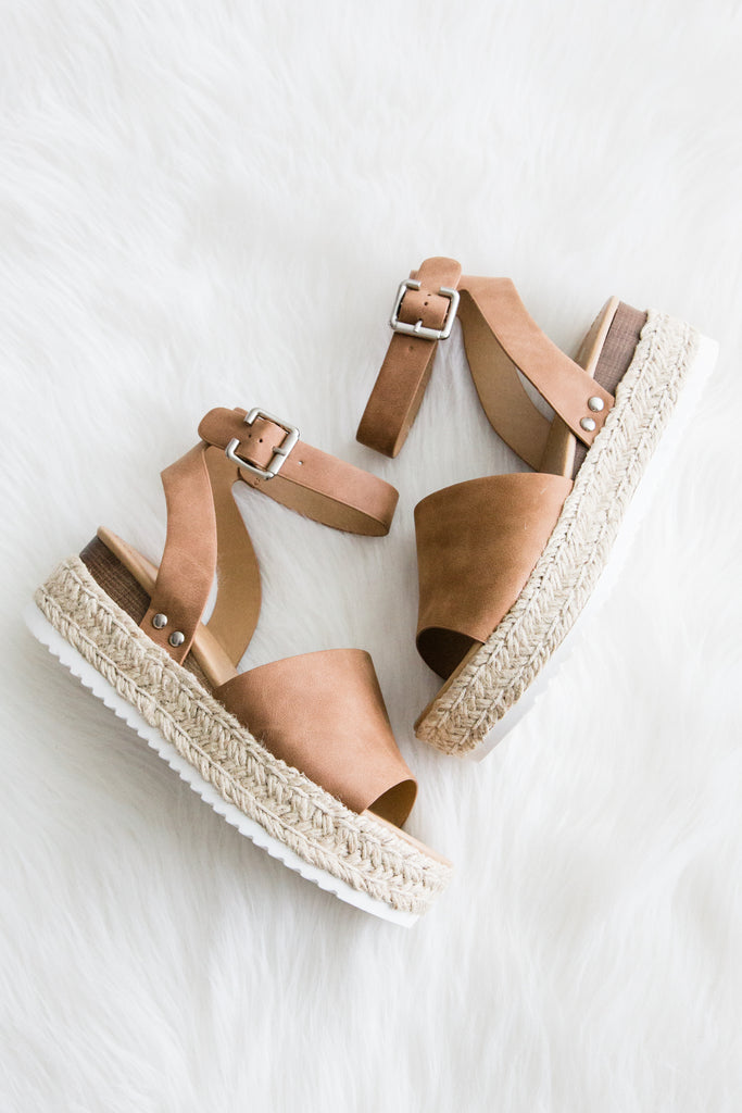 Aloha Life Sandals in Tan