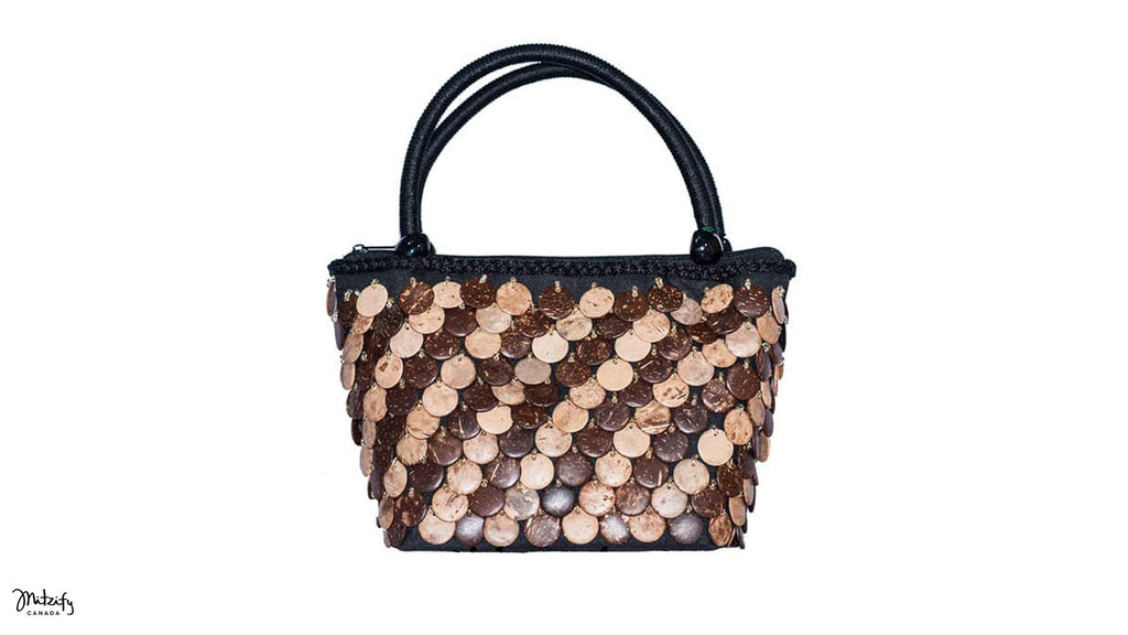 Natural Coco Handbag in Side Hole.