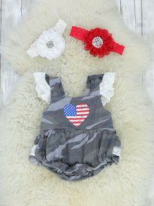 Camo American Heart & White Lace Bubble