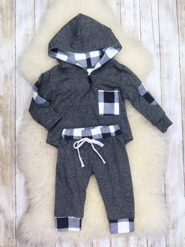 Gray / Black Plaid Hoodie & Joggers Outfit