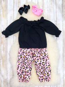 Black Ruffle Top & Pink Leopard Paper Bag Pants Outfit