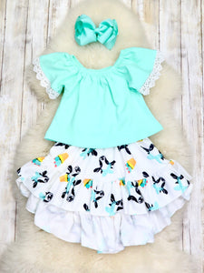Teal Top & Cow Hi-Lo Skirt Outfit