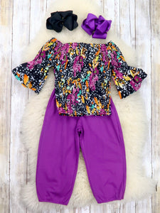Black Floral Scrunchy Top & Purple Paper Bag Pants Outfit