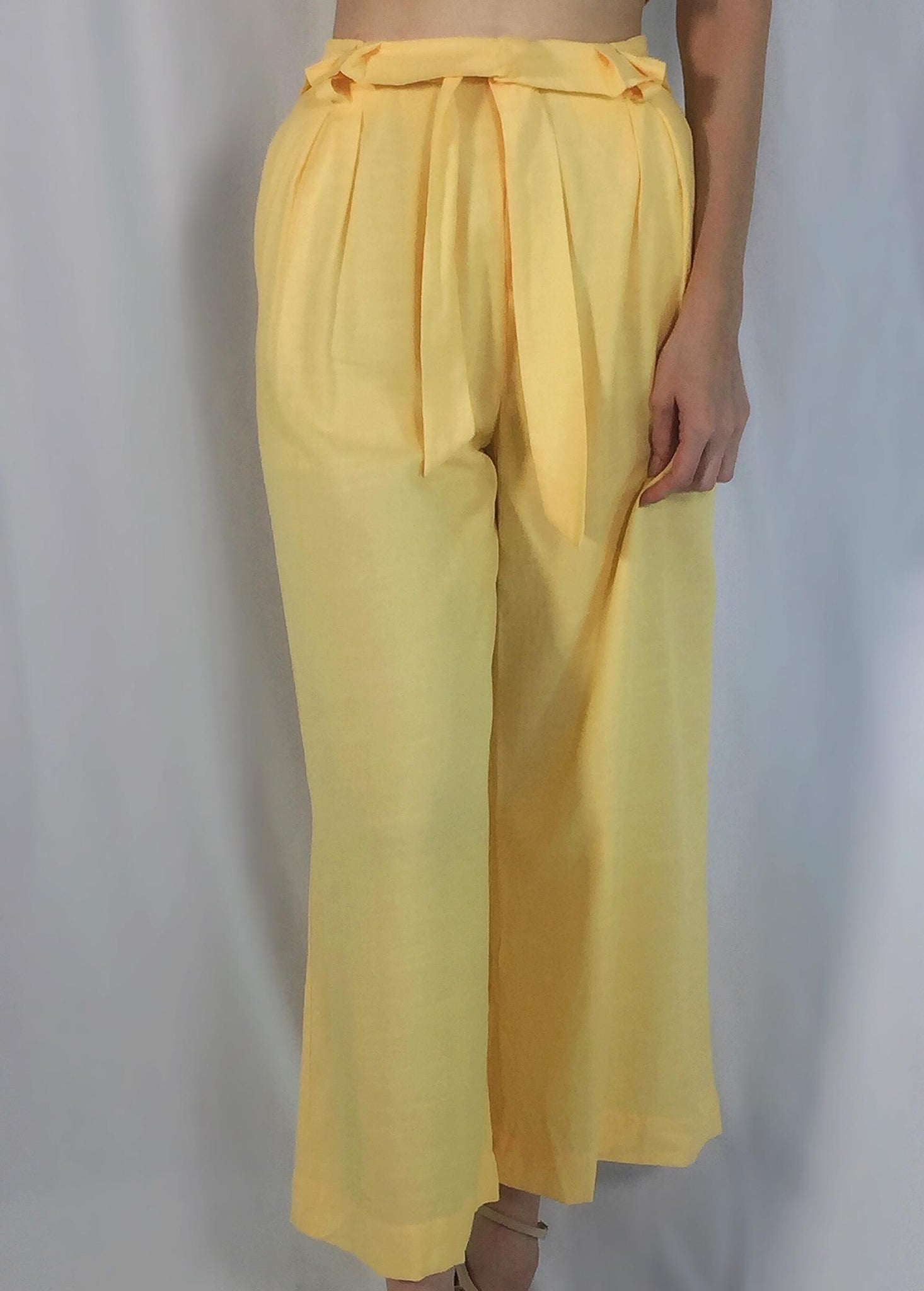 FLOWING YELLOW PANTS