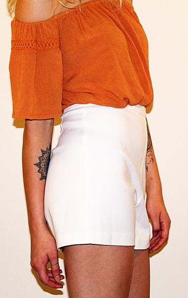 HIGH WAISTED SHORTS - OFF WHITE