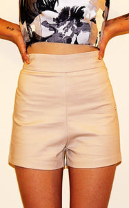 HIGH WAISTED SHORTS - BEIGE