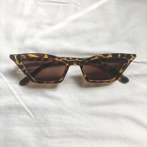 CATS EYE SUNGLASSES