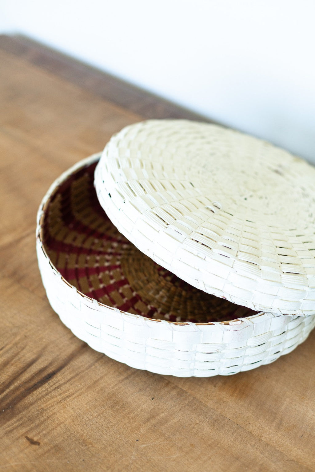White Woven Basket w/ Lid. - Fallow Home.
