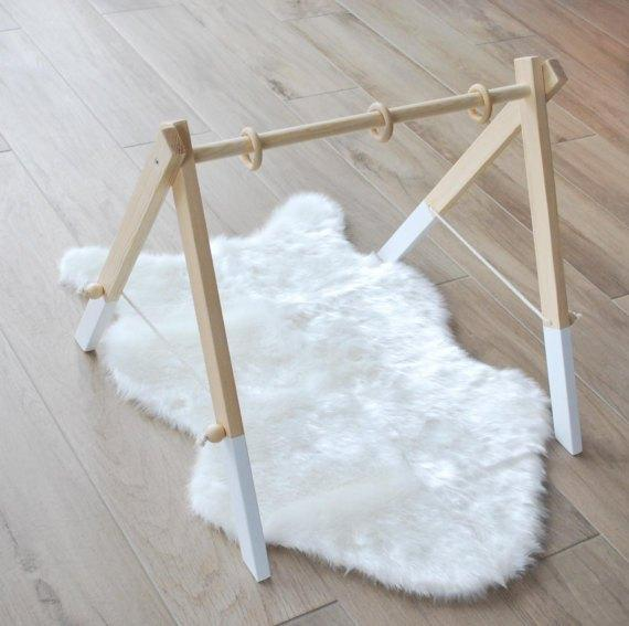 Pumpur Wooden Gym With 3 Toys - Urban Stroller