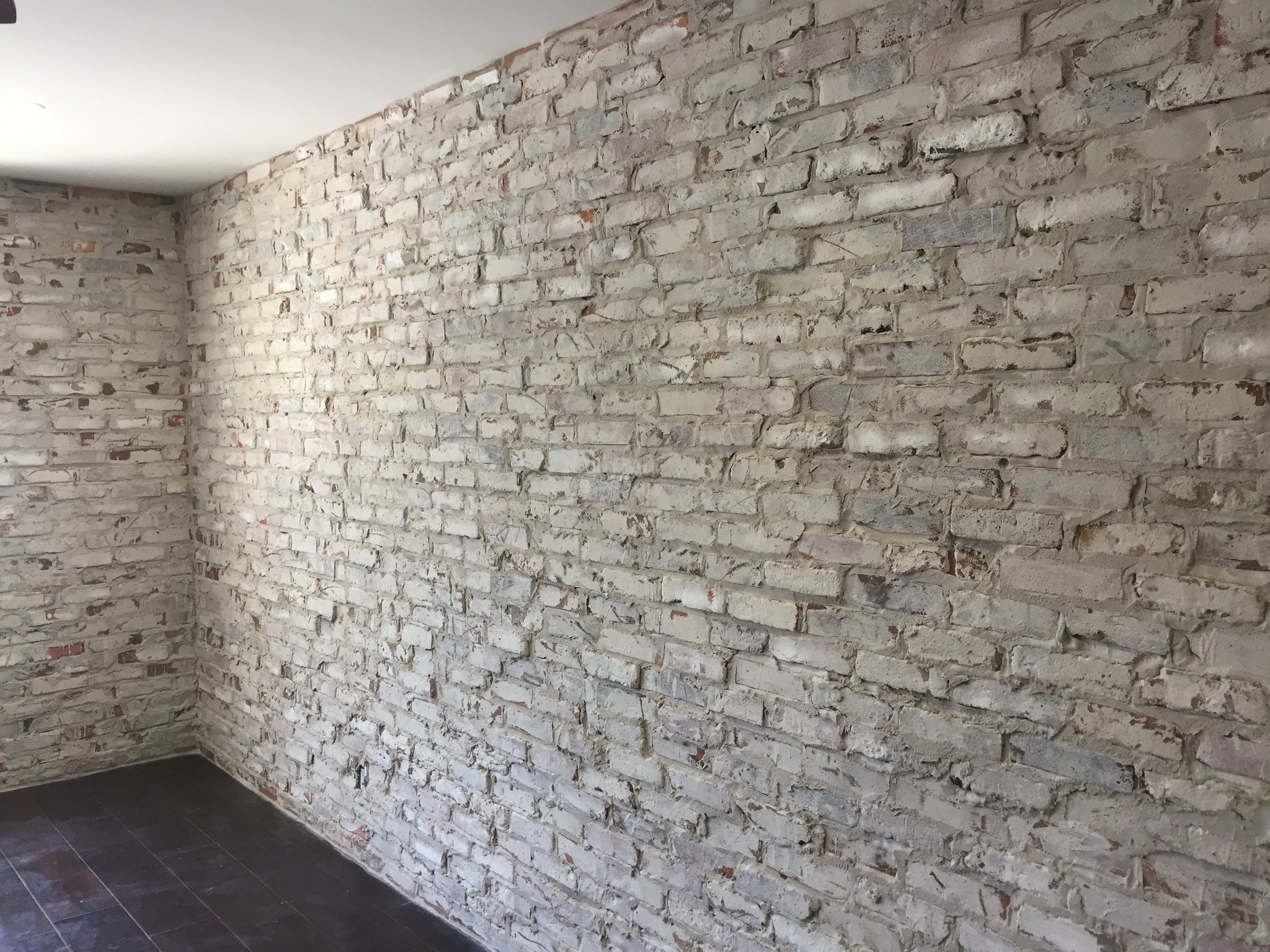Fossil Clay Veneers U0026; Cheap Thin Brick Veneers. Prefect For White Washed Brick  Walls.