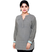 Women's Light Green Soilds Rayon V Neck Casual Party Wear 3/4th Sleeve Short Kurti Top