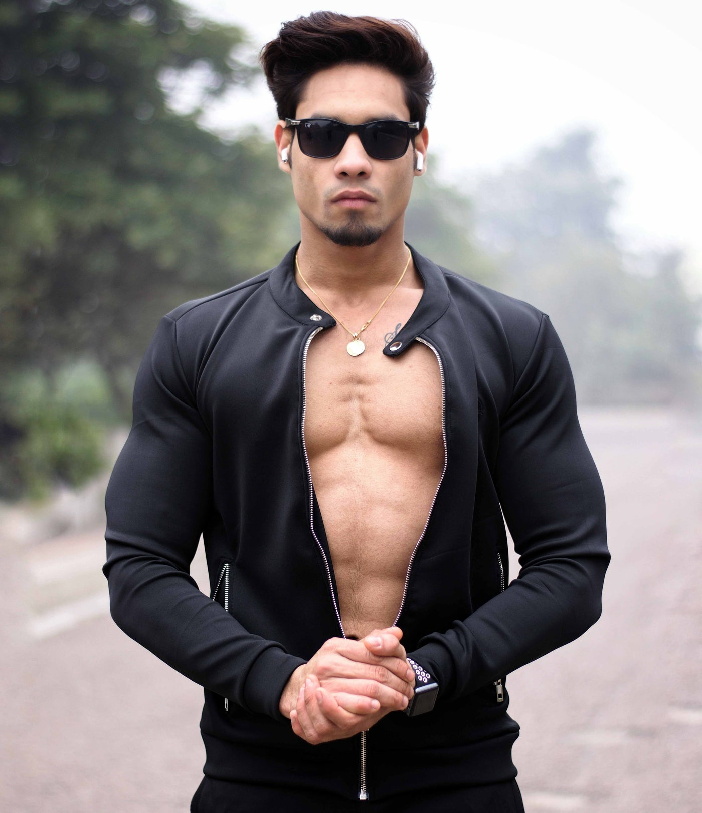 Devoted Sweatshirt Hoodie Black - Muscle Fit Gym wear & sports apparel - Mohit Vijayran (@Mohit.vijayran)