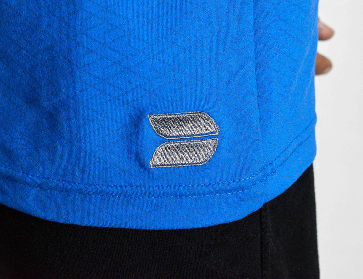 Hybrid T-shirt - Devoted Gym wear & sportswear - Blue - Embroidered logo close up