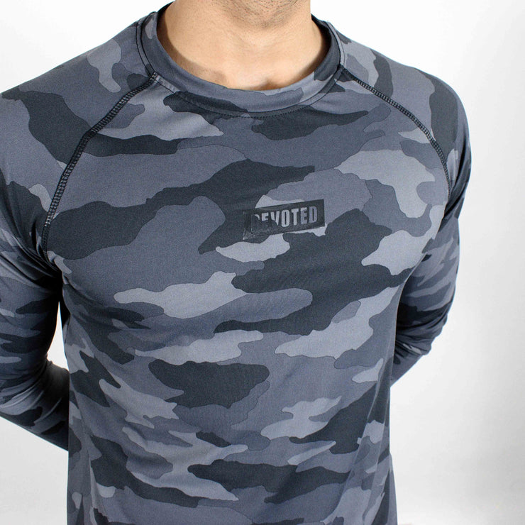 Dri-Stretch Pro Full Sleeves T-shirt - Grey Camo 2 - Devoted Gym Wear & Sports Clothing - Close up