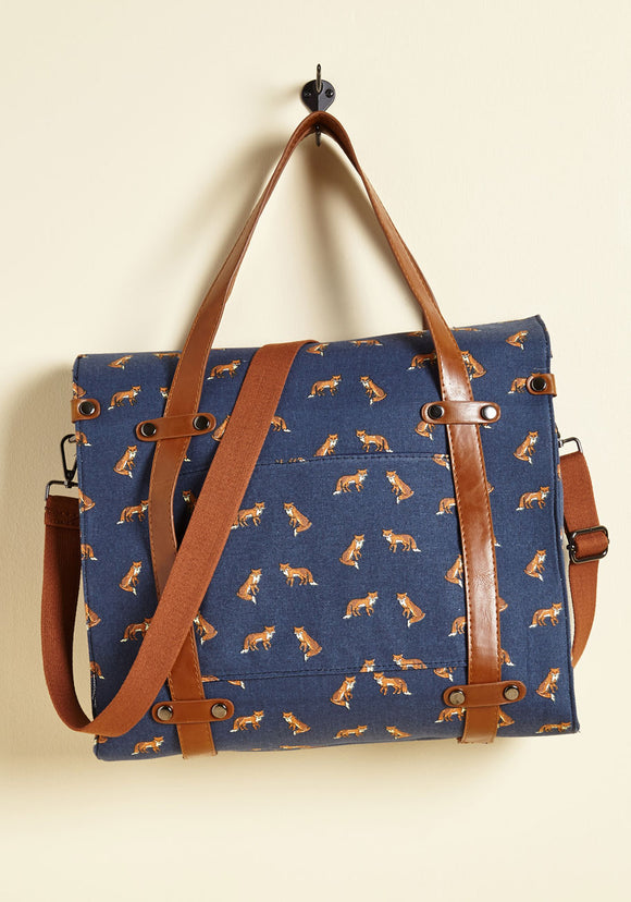 camp-director-tote-in-foxes