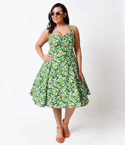 Heart of Haute Plus Size 1950s Green Daisy Meadow Halter Sweetie Swing Dress
