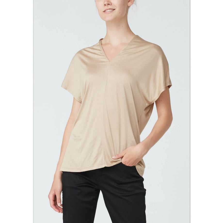 Isay Henny T-Shirt T-Shirts 134 Golden