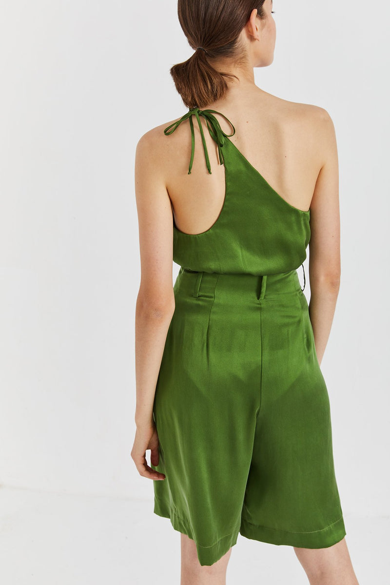 Caro Tailored Silk Shorts / Green