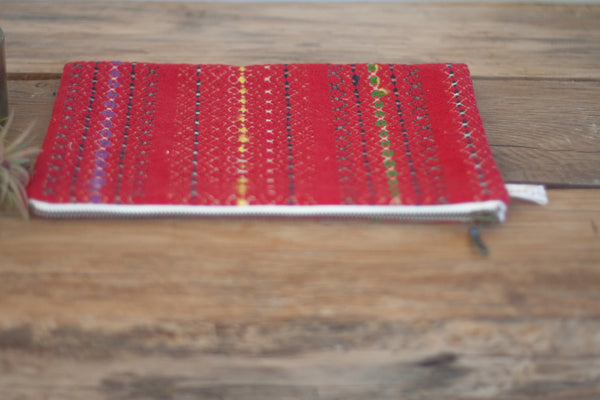 Le Grand Cerf | pièce unique : trousse rouge en tissu ancien rayé brodé et recyclé (face) - One of a kind : Red case made out of antique embroidered recycled fabric (front)