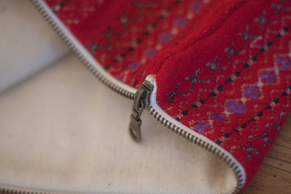 Le Grand Cerf | pièce unique : trousse rouge en tissu ancien rayé brodé et recyclé (détails) - One of a kind : Red case made out of antique embroidered recycled fabric (details)