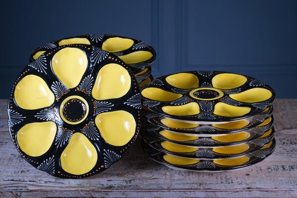 Set of Twelve Handpainted Brittany Yellow, Cream and Black Oyster Plates