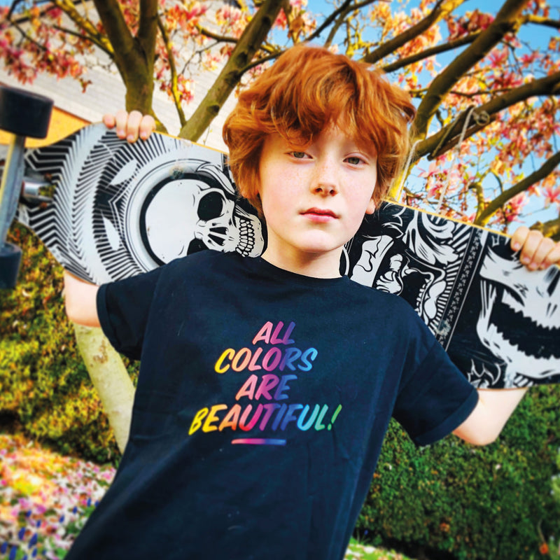 Kinder T-Shirt Bio-Baumwolle all colors are beautiful schwarz Junge