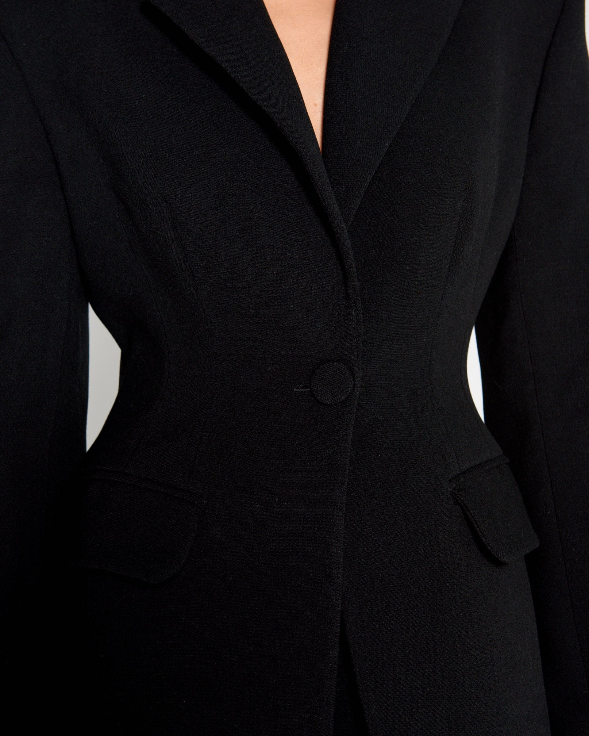 Jaqueline Suit Black