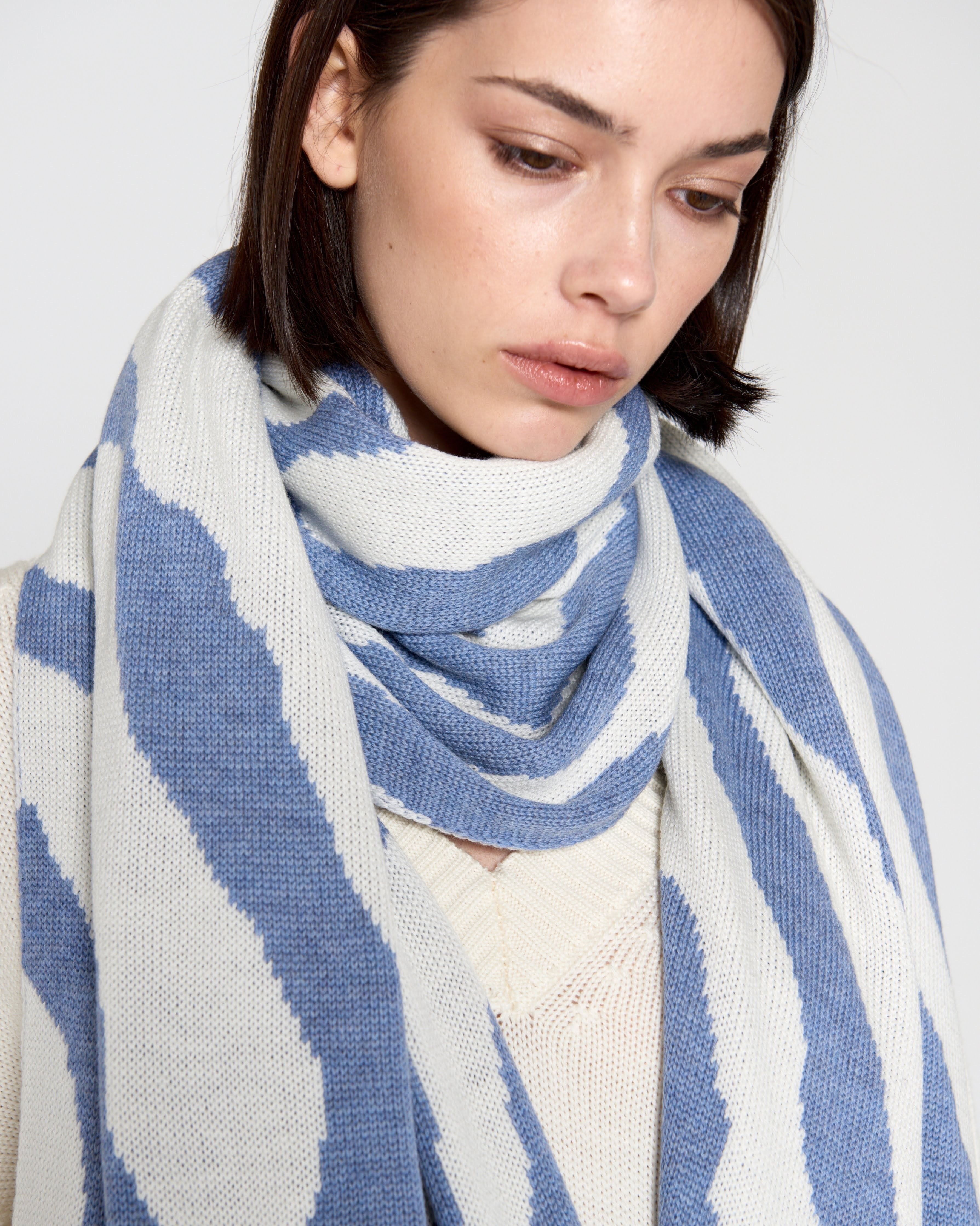 Wool Scarf Blue&Milk