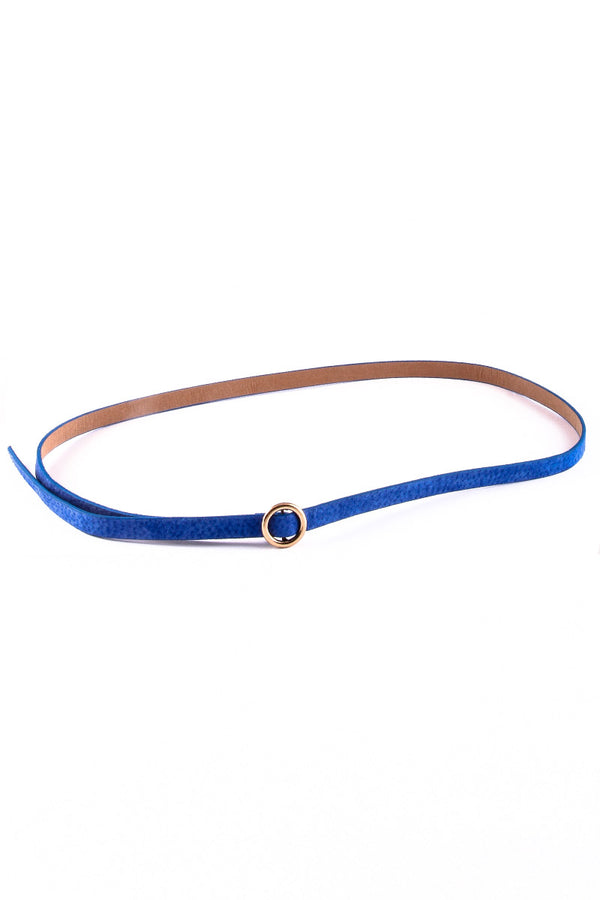 SOLID COLORED SLEEK LEATHER BELT