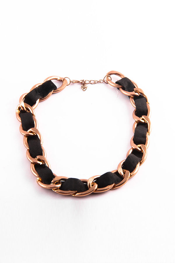 BLACK AND GOLDEN CHAIN NECKLACE - Mantra Pakistan