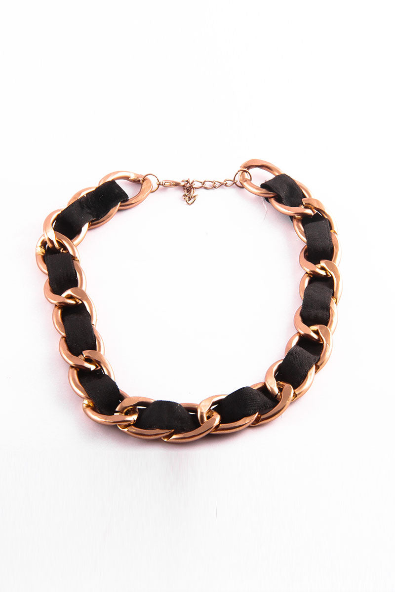 BLACK AND GOLDEN CHAIN NECKLACE