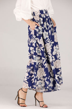 FLOWY PANTS WITH WHITE FLORAL PRINT - Mantra Pakistan