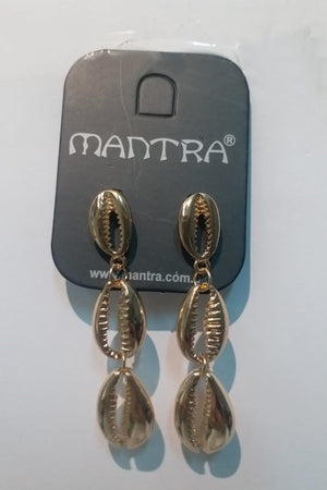 Mantra Pakistan open shell with pearl earring | ACCESSORIES