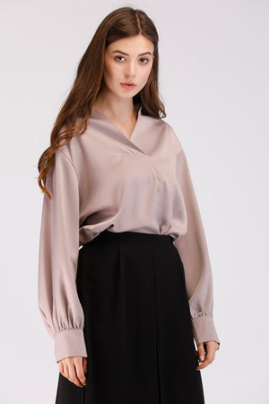 SOLID COLORED SATIN TOP