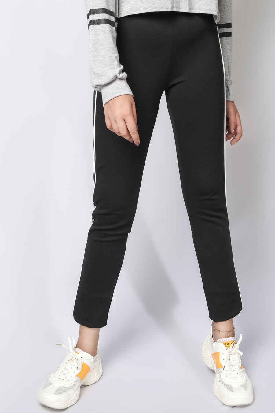 Jeggings with green stripe