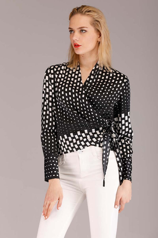 PATTERNED CROSS PANEL TOP