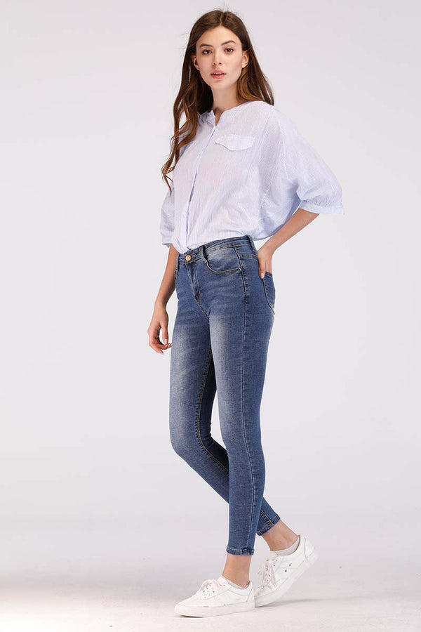 SOLID COLORED BASIC JEANS
