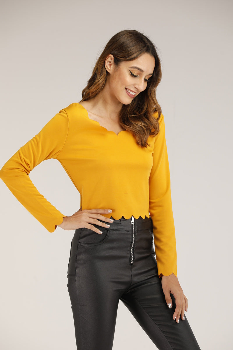 SCALLOPED HEM LONG SLEEVE TOP