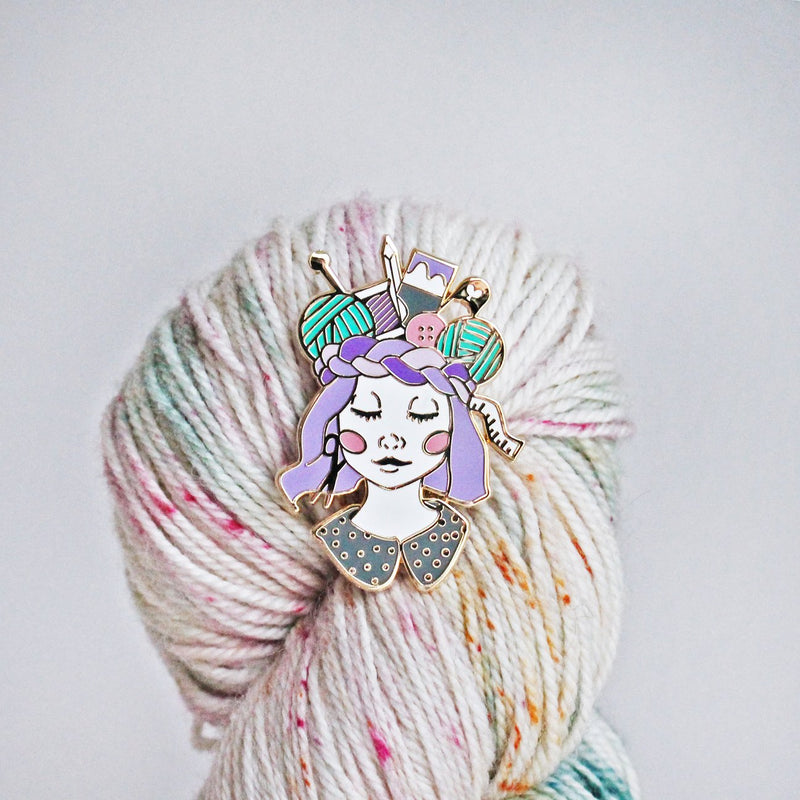 Craft Queen Porcelæn Enamel Pin