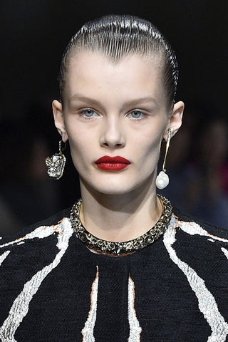 Fall/Winter 2018 Hair Trend: Slicked back at Alexander McQueen