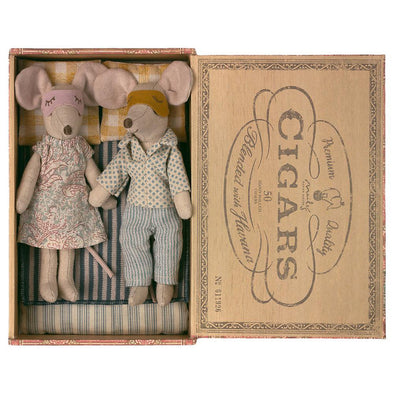 Mum & Dad Mouse In Cigar-Box by Maileg