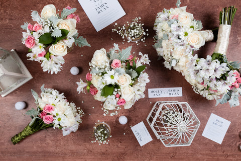 White and pink flower wedding bouquets