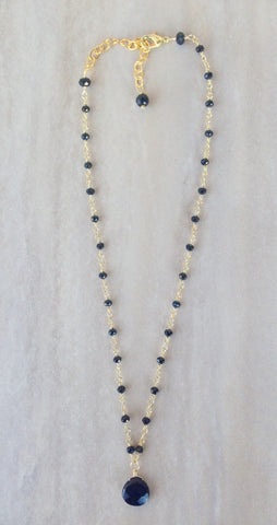 Onyx beaded chain and drop necklace.