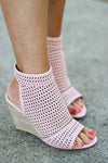 Bridgett Wedges in Pink