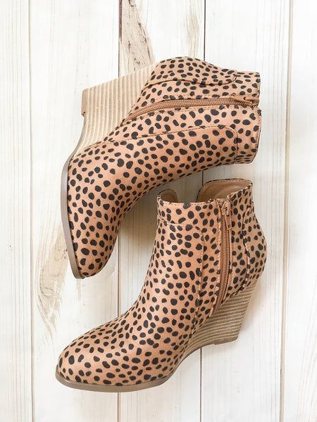 Zora Leopard Wedges