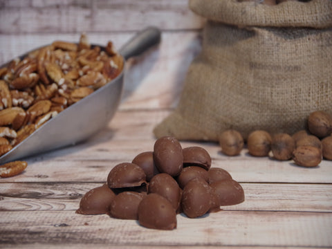 Deluxe Milk Chocolate Pecans