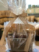 Load image into Gallery viewer, Pure Pecan Gift Basket