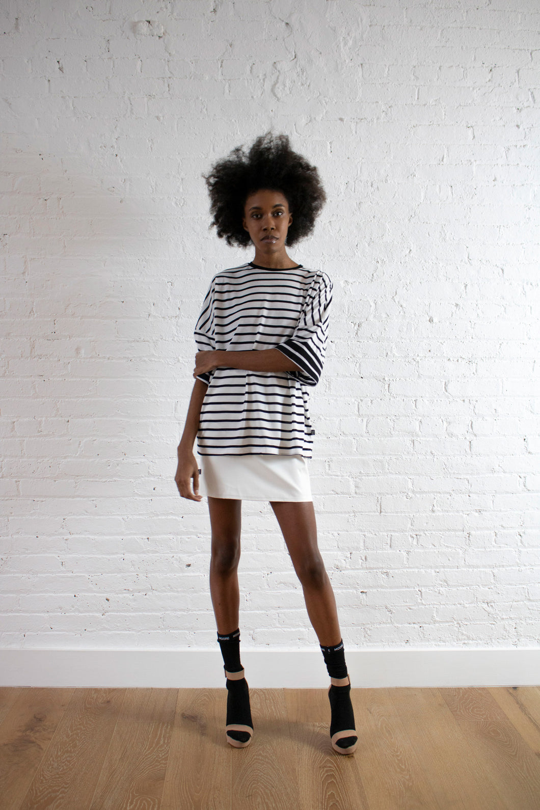 WHITE STRIPE BOX TOP