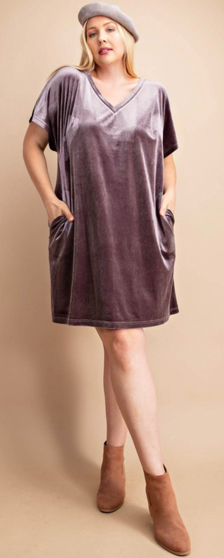 V-neck velour dress with pocket